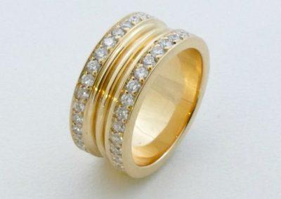 bague en or jaune avec double rangées de diamants