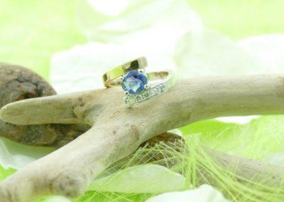 Bague or 18k bicolore saphir et diamants bijouterie sens