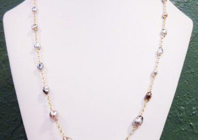 Sautoir en or et perles de tahiti